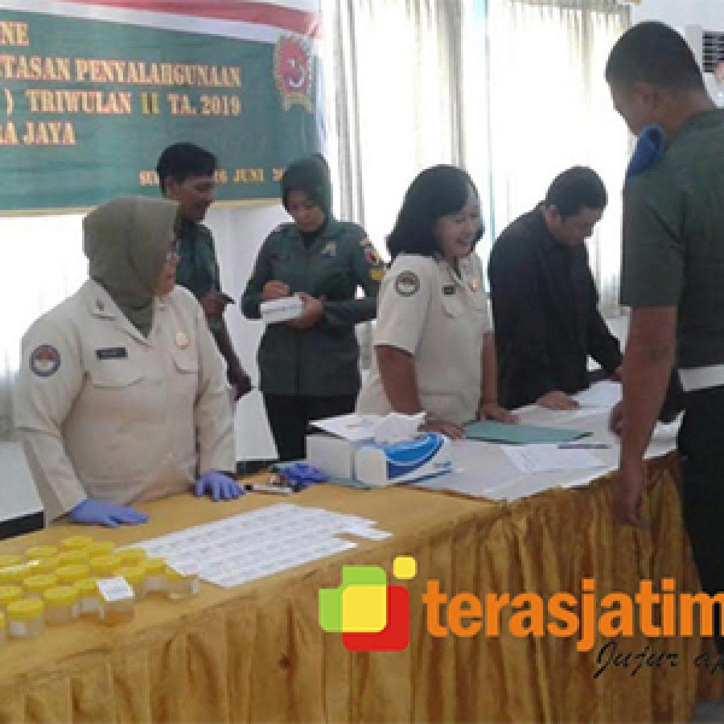 Ratusan Prajurit Korem Bhaskara Jaya Jalani Tes Urine