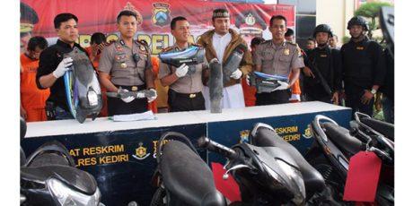 8 Anggota Komplotan Curanmor Antar Kabupaten Digulung Polisi Kediri