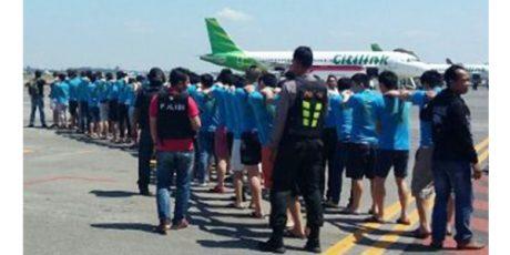 92 WNA Pelaku Penipuan Online Yang Diangkap di Surabaya, Diterbangkan ke Jakarta