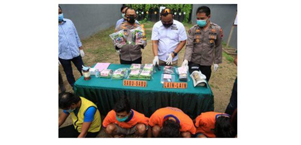 Modus Pengedar, 8 Kilo Sabu Disimpan Dalam Durian
