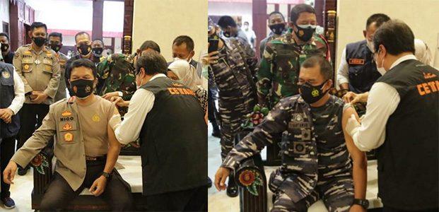 Kapolda Jatim dan Pangkoarmada II Disuntik Vaksin Sinovac di Makodam Brawijaya