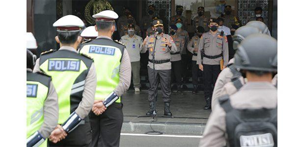 Hari Pertama PPKM Darurat, Waka Polda Jatim Berangkatkan Patroli Show Of Force