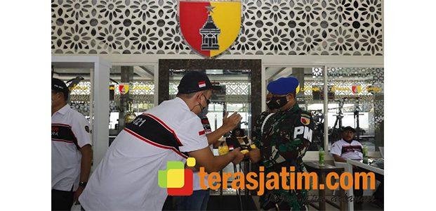 Jelang HUT TNI, Komunitas Fortuner Nusantara Sambangi Makodam Brawijaya