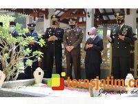 Hari Pahlawan, Bupati Bersama Forkopimda Jombang Gelar Upacara Ziarah Nasional