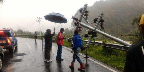 Akibat Banjir dan Longsor di Pacitan, 70 Ribu Pelanggan PLN Alami Pemadaman