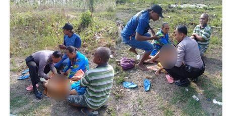 Anggota Polisi di Bojonegoro Bantu Persalinan Seorang Ibu di Kawasan Hutan