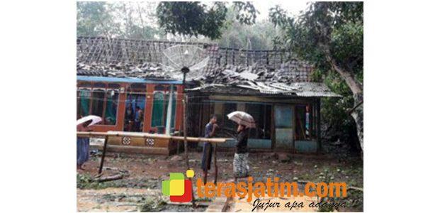 Angin Puting Beliung Terjang 2 Dusun di Situbondo