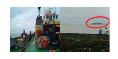 Angkut Batu Bara, Sebuah Kapal Tongkang Terdampar di Pantai Tempursari Lumajang