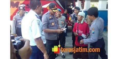 Antisipasi Massa Aksi 22 Mei, Aparat Gabungan Gelar Pemeriksaan di Terminal Bus Pacitan