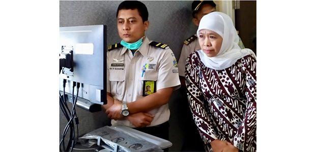 Antisipasi Virus Corona Masuk Jatim, Gubernur Chek Thermal Scanner Bandara Juanda