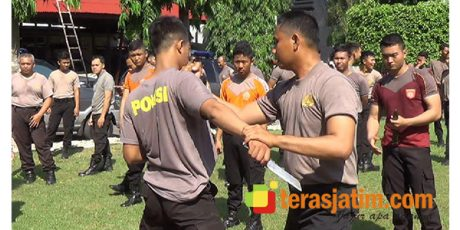 Antisipasi Penyerangan Terhadap Anggota, Polresta Blitar Lakukan Latihan Bela Diri