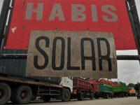 BBM Jenis Solar Langka, Puluhan Sopir Trailer Wadul ke DPRD Jatim