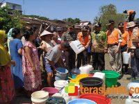 BPBD Bersama Kodim Jember Salurkan Bantuan Air Bersih