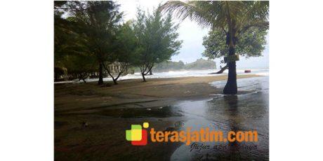 Waspada, Banjir Rob Terparah Landa Pesisir Blitar Selatan