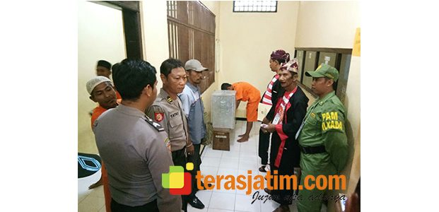 Belasan Tahanan Polres Situbondo Ikuti Coblosan Pilgub Jatim