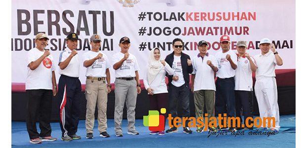 Bersama Warga, Forkopimda Mojokerto Deklarasikan Indonesia Damai