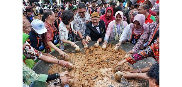 Besok, Pemkot Surabaya Gelar Festival Rujak Uleg 2018