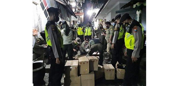 Operasi Pekat Jelang Ramadhan, Aparat Keamanan di Kota Blitar Sita Ratusan Miras Ilegal