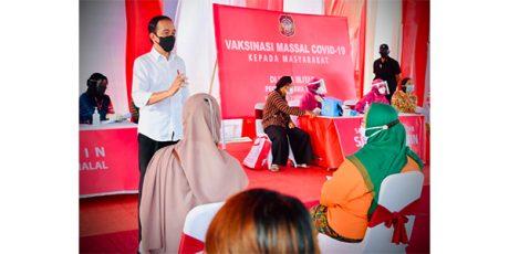 Di Blitar, Presiden Minta Masyarakat Disiplin Prokes Meski Sudah Divaksin