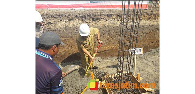 Bupati Blitar Letakkan Batu Pertama Pembangunan Pasar Kanigoro