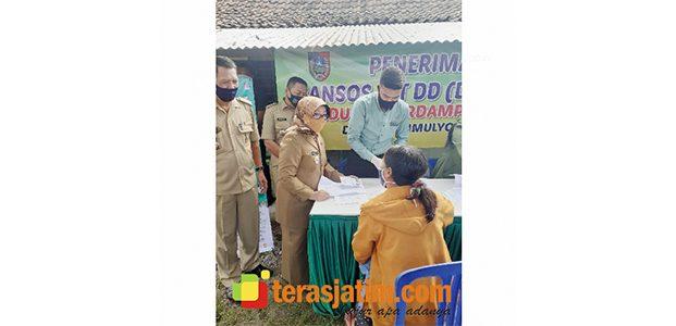 Bupati Jombang Launching Penyaluran BLT-DD Tahap III dan Buka Pelaksanaan Program Kotaku