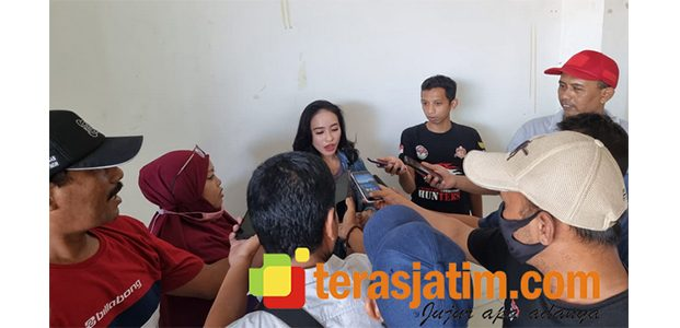 Dihadang Oknum Polisi Banyuwangi, Haninah Mengaku Dihubungi Anggota Paminal Polda Jatim Lewat WA
