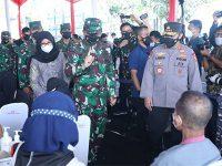 Kunjungi Banyuwangi, Panglima TNI dan Kapolri Tinjau Serbuan Vaksinasi di RSNU Mangir