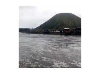 Cuaca Ekstrem di Kawasan Bromo, Wisatawan Diminta Waspada