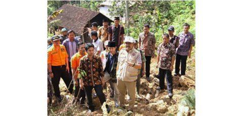Dampak Banjir dan Tanah Longsor di Trenggalek, 7500 Rumah Warga Rusak