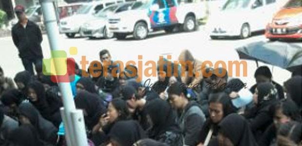 Demo Buruh di Polres