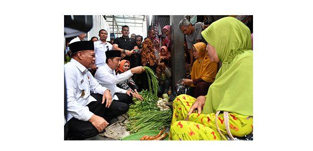 Tanpa Diagendakan, Presiden Blusukan di Pasar Sidoharjo Lamongan