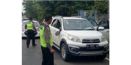 Dicegat Saat Razia Lantas, 5 Orang Bersenjata Diburu di Wilayah Jenu Tuban