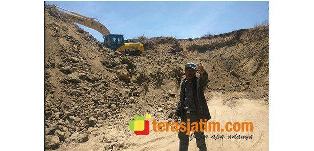 Diduga Ilegal, Penambangan di Bukit Moncel Situbondo Masih Beroperasi