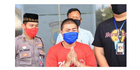 Ditangkap Polisi, Penghina Agama Ini Menangis Minta Maaf