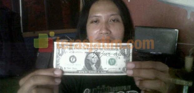 Dolar Naik, Banyak Beredar Dolar Palsu