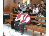 Dua Dalang Penganiayaan Salim Kancil dan Tosan, Dituntut Hukuman Seumur Hidup
