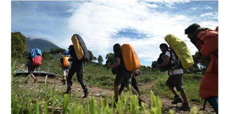 Dua Pendaki Belum Ditemukan, Pendakian Semeru Sementara Ditutup