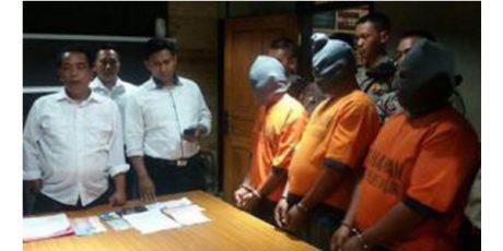 Ecer BBM Industri ke Penadah, Sopir Truk Tangki Bersama Kernetnya Ditangkap Polisi