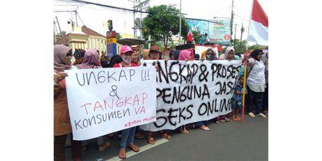 'Emak-Emak Penyayang Vanessa', Gelar Aksi Damai di Polda Jatim