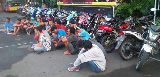 Gelar Balap Liar, Polres Gresik Tangkap 20 Pemuda dan Sita 33 Motor