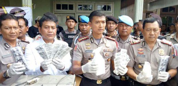 Gerebek Rumah Kontrakan, Polres Sidoarjo Sita Jutaan Pil PCC