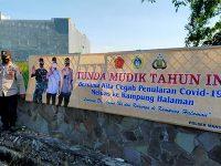 Banner Larangan Mudik Mulai Terpasang di Wilayah Gresik