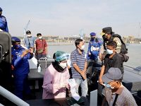 Kapolda Pantau Vaksinasi Bagi Nelayan dan Warga Pesisir di Kroman Gresik