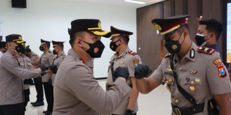Kapolres Gresik Pimpin Sertijab Sejumlah PJU dan Kapolsek Baru