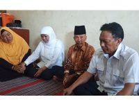 Gubernur Jatim Kunjungi Keluarga Korban Meninggal Akibat Banjir di Balungpanggang Gresik