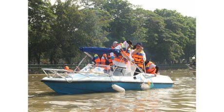 Hadiri Relawan Jogo Kali, Gubernur Khofifah Susuri Sungai Brantas