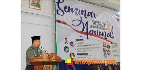 Hadiri Seminar di Tebu Ireng, Kasdam Brawijaya Ziarah ke Makam Gus Dur