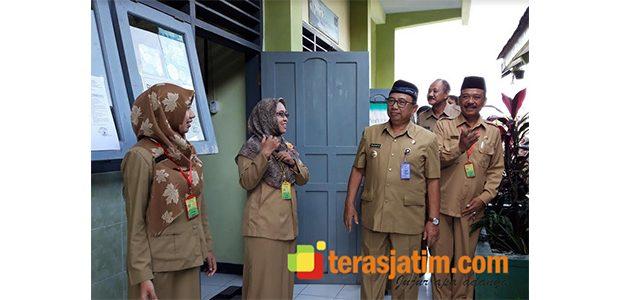 Hari Pertama, Bupati Blitar Pantau Sejumlah Sekolah Penyelenggara Ujian Nasional