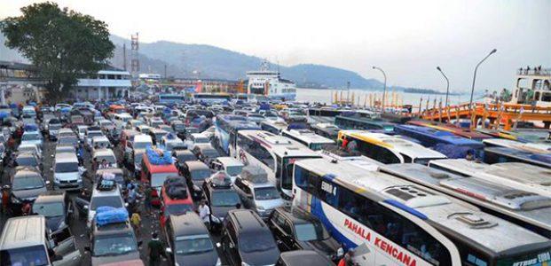 Puncak Arus Balik, 2 Ribu Kendaraan Diprediksi Padati Pelabuhan Ketapang