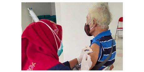 Pemerintah Daerah Diminta Prioritaskan Vaksinasi untuk Lansia